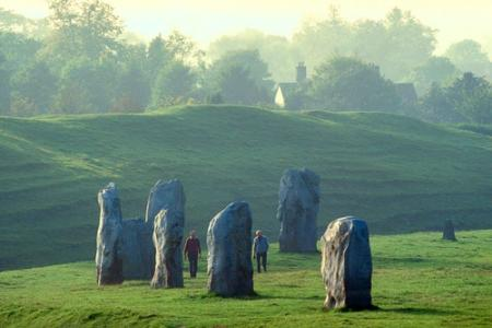 Impossible Neolithic Alignment Found In UK? Avebury